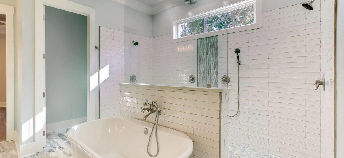 soaker tub in elegant master bath